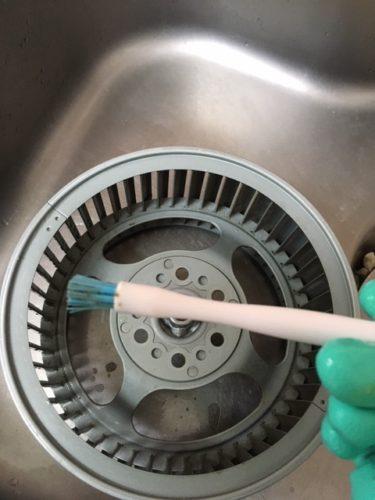 換気扇の掃除ブラシ